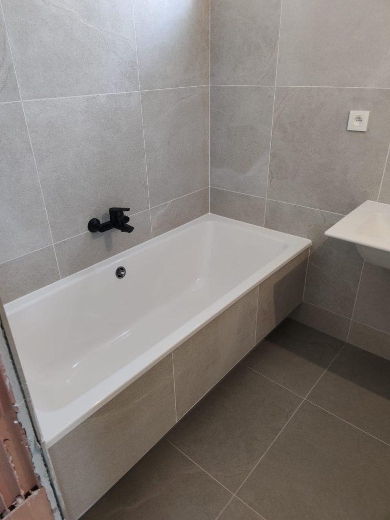 Obkládání koupelny svépomocí | Levelys